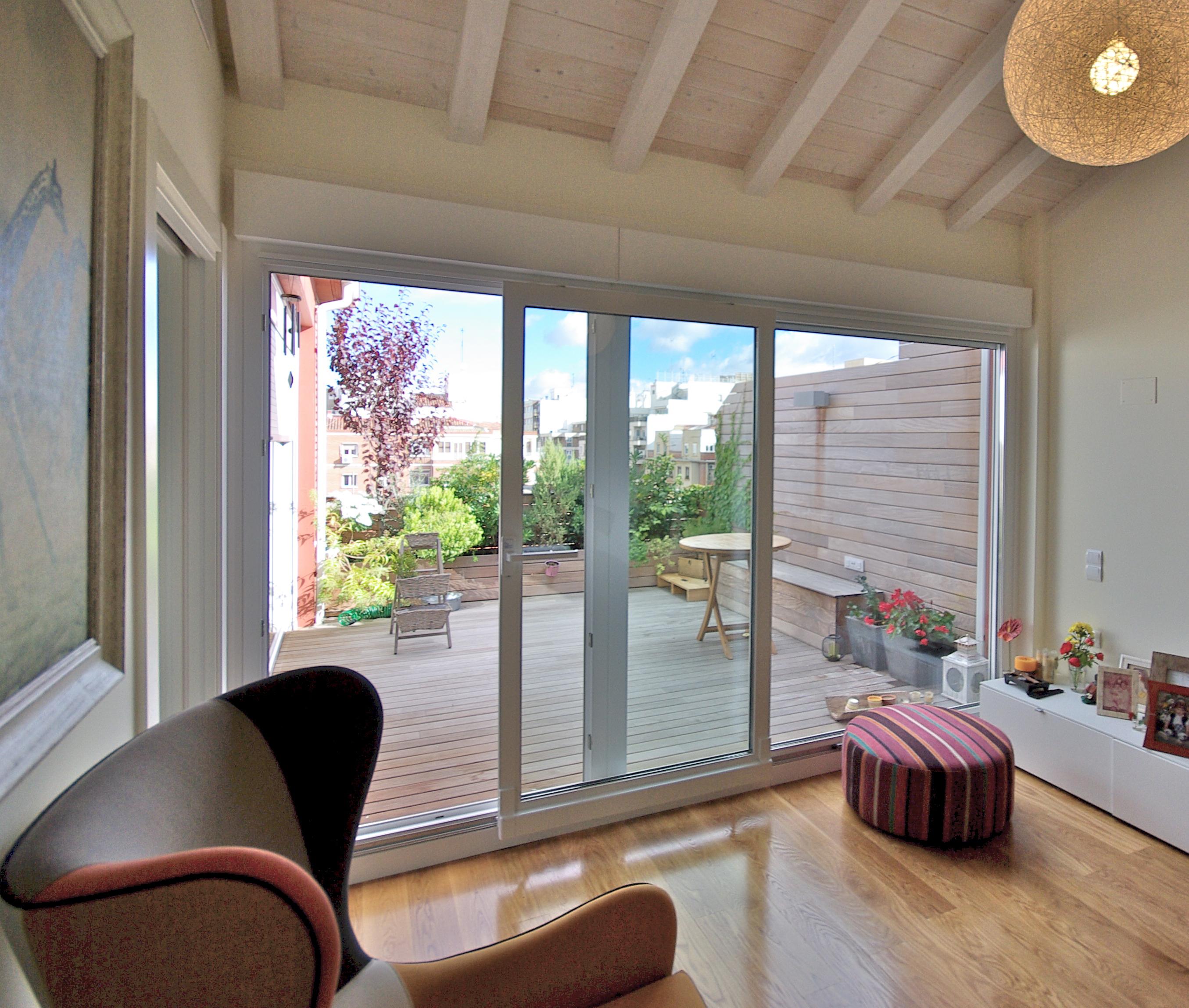 Puertas de terraza y balconeras casas carpinter a y for Puertas para terrazas